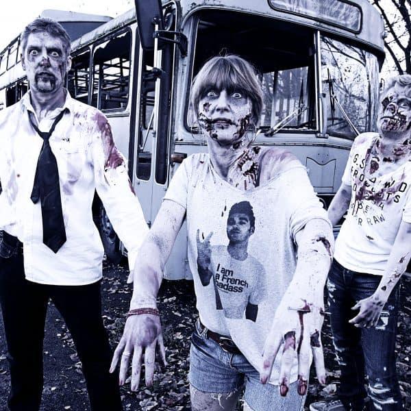 Zombie-Weihnachtskarten-Photoshooting. Make-up Enrico Lein und Jörg Düsterwald